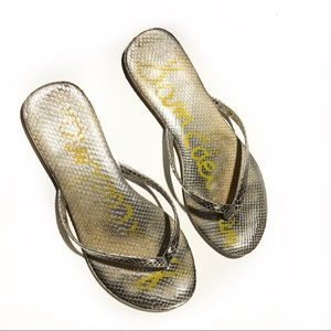 Sam Edelman Silver Flip Flops Size 9